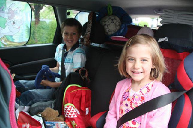 Resa med barn i bilen